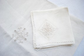 Linen Napkin and Tablecloth Set